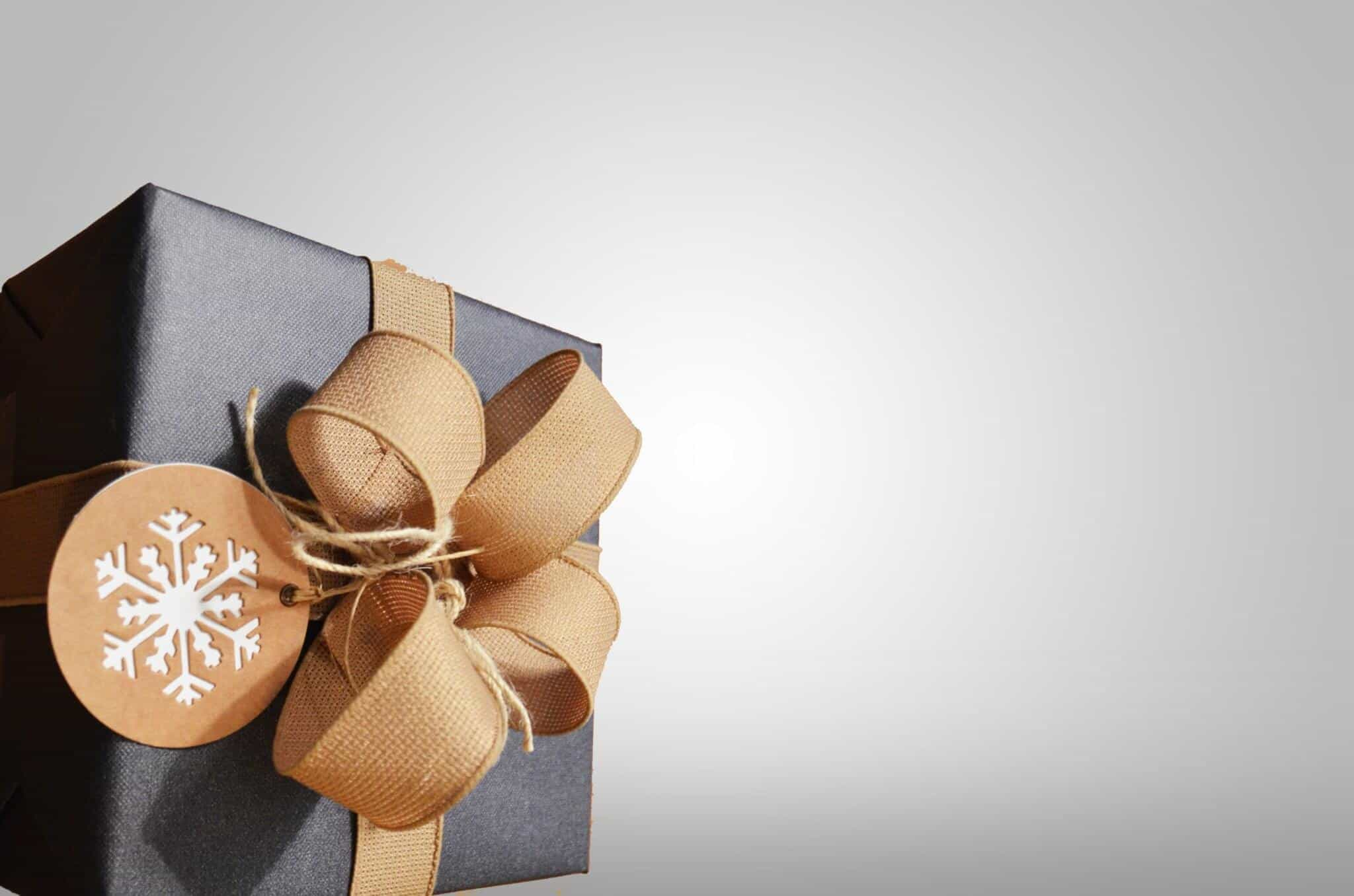 15 Great 10 Gift Ideas For Guys That Will Blow His Mind